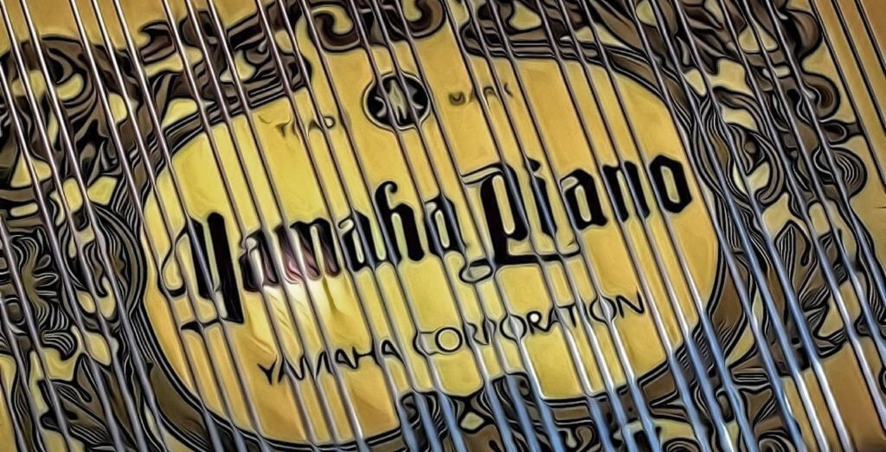 Yamaha Logo With Strings